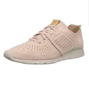 UGG Tye Leather Blush Pink Sneakers Shoes Sz 10